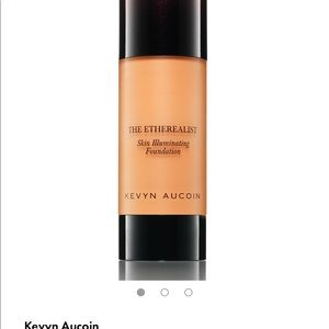 Kevin Aucoin skin illuminating foundation!